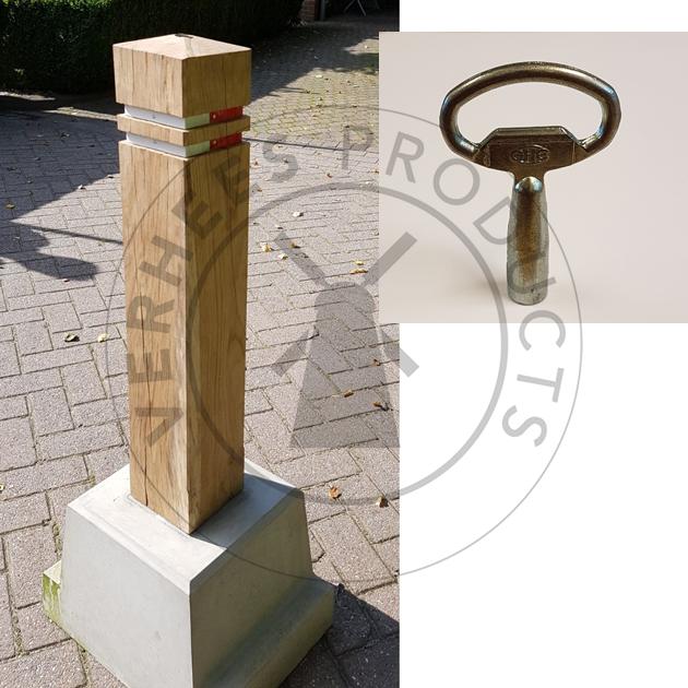 Eiken Afneembare Verkeer afzetpaal incl. betonvoet met sleutel